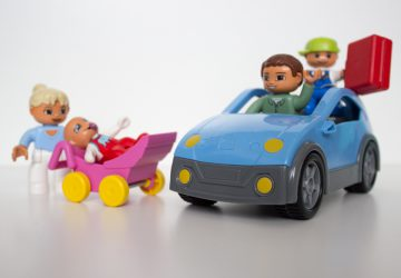 """""""Daleko jeszcze?"""" - jak przetrwać z dzieckiem podróż samochodem"""