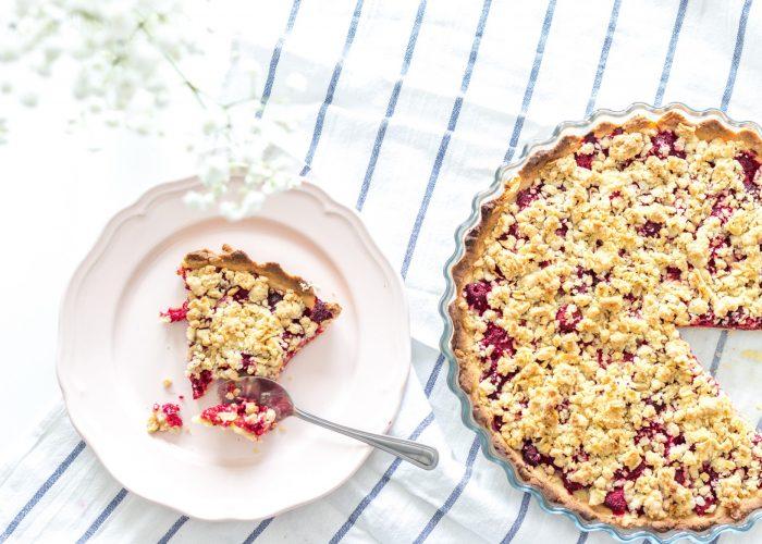Krucha tarta z owocami - pyszny i prosty przepis na ciasto
