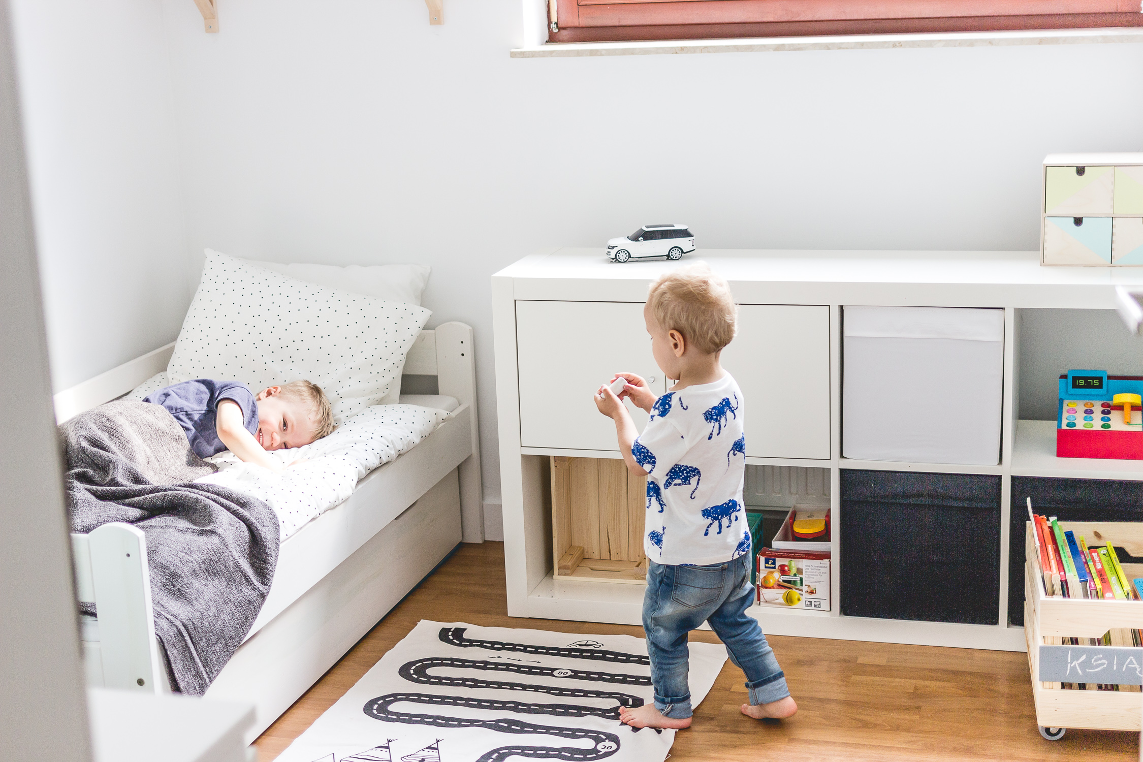 Pokój dla rodzeństwa - metamorfoza przed i po 44
